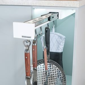 Glideware GLD-P22-SSW5 22in 5-Hook Out Door Organizer
